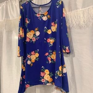 Royal blue floral tunic💙